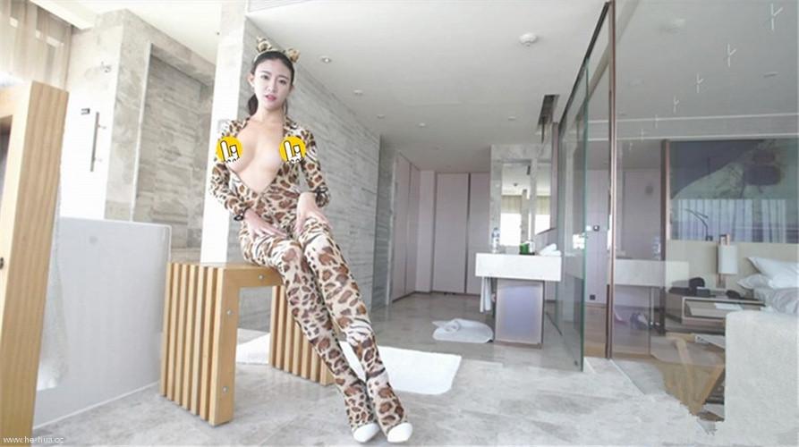 果哥-出品-极品国模黑丝鹿宝儿首次全裸 漂亮美乳 完美身材 揉三点梦幻高潮[1v/718M]