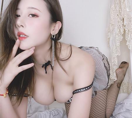 奈汐酱nice  金秋新作-蕾丝镂空黑丝装[25p+1v/658M]
